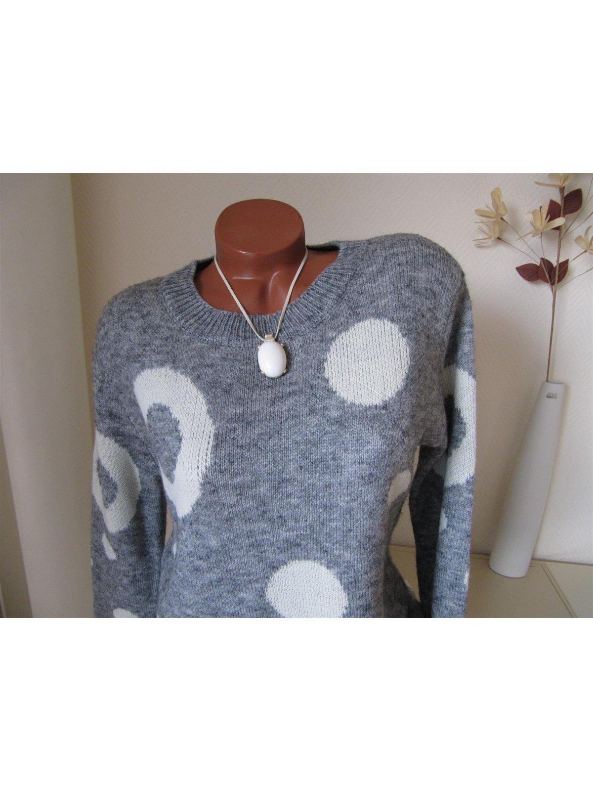 Oversize Strick Long Pullover Ringel Punkte Saum rund Grau Crème Weiß 38 40 S M